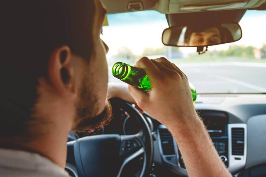 effects of drunk driving and liquor Driving under the influence or dui (called driving while intoxicated or dwi in some states) is the most frequently charged crime in the united states according to the national highway traffic safety administration (nhtsa), 10,265 traffic fatalities in the us in 2015 were alcohol-related.